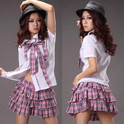胸元リボン・ピンクチェック制服